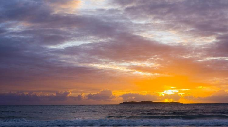 sunrise-at-the-beach