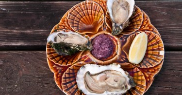 the-perfect-plate-of-oysters-island-of-mersea-essex-england-www.rossiwrites.com