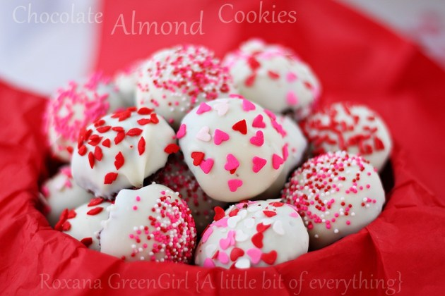 Chocolate Almond Cookies | roxanashomebaking.com