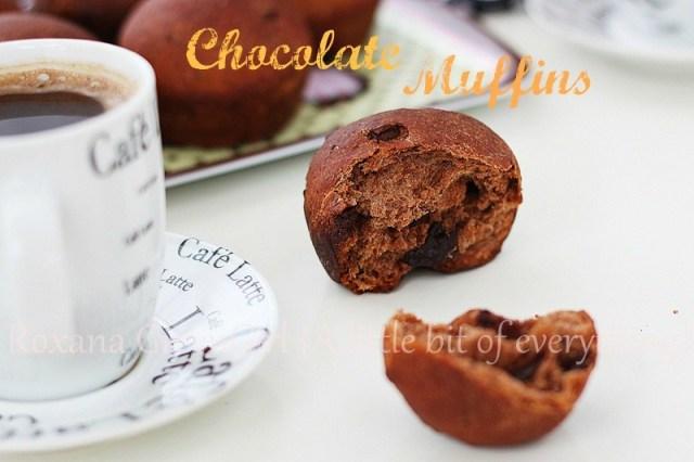 Chocolate (yeast) muffins | roxanashomebaking.com