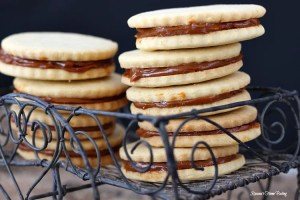 Alfajores - dulce de leche sandwich cookies recipe 3