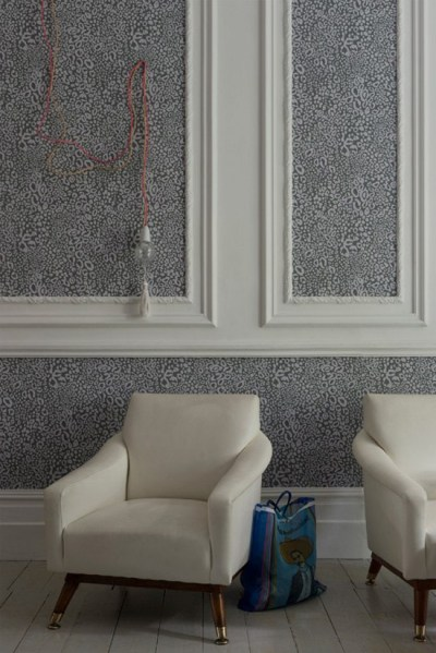 Wallpaper vs paint: variety, durability, cost & use in different rooms