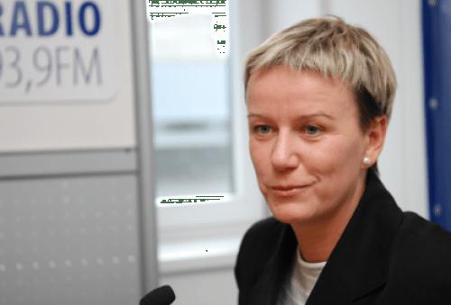 Звезда телевизионных каналов России  -- министр внутренних дел Латвии Линда Мурниеце