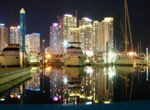 Пусан, важный международный торговый порт, соединяющий страны Азии, Европы и Северной Америки, второй по величине ведущий портовый город Кореи, расположенный на юго-восточной части Корейского полуострова, расцвел благодаря  российским контрабандитам.