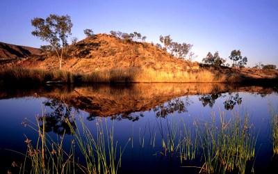 Finke River near Glen Helen, West Macdonnell Range, Northern Territory, Australia | Fondos de ...