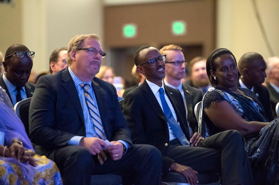 Amangambure ya Andrew Mwenda na Rick Warren muri Kagame Day i San Francisco