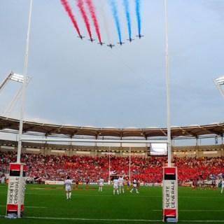 La Patrouille de France au dessus du Stadium de Toulouse