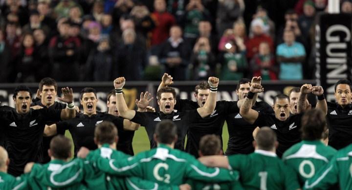 Guinness Autumn Series International, Aviva Stadium, Dublin 20/11/2010.Ireland vs New Zealand All Blacks.The New Zealand All Blacks perform the Haka.Mandatory Credit ©INPHO/Morgan Treacy *** Local Caption ***
