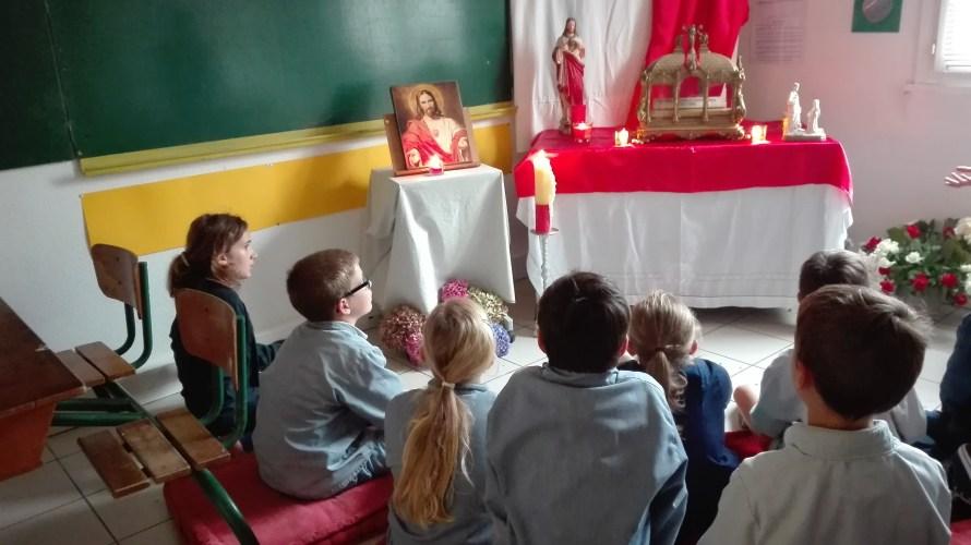 Les reliques de Sainte Marguerite Marie à l'école