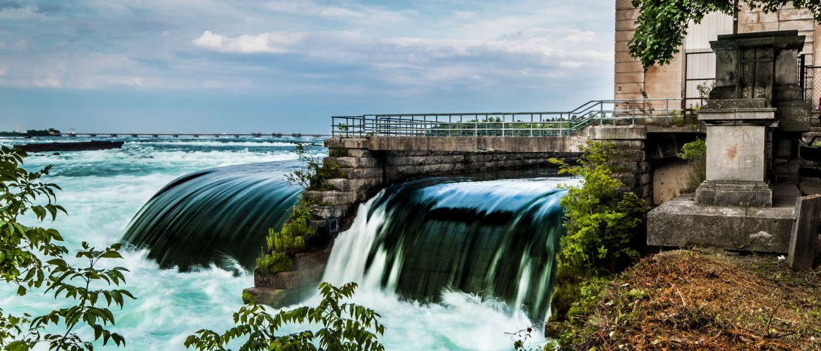 Coming to Canada - Hydro Power Plant, Niagara Falls