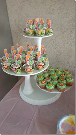 baby shower cupcake stand 287x510 thumb Animal Baby Shower