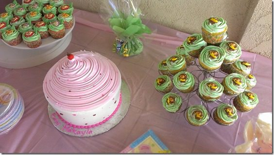 baby shower cupcake table animal theme 800x450 thumb Animal Baby Shower