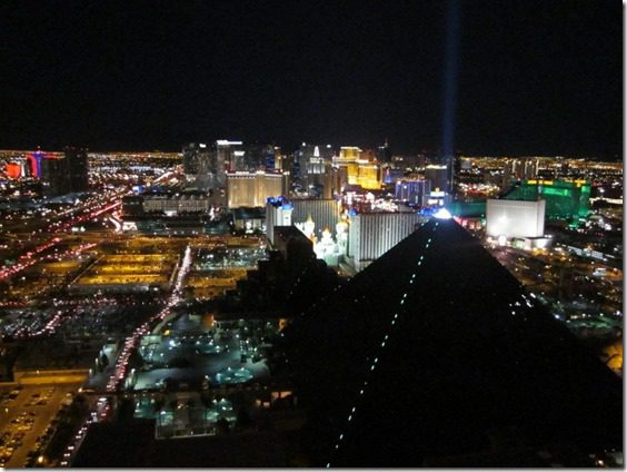 las vegas marathon at night thumb1 Running in Las Vegas Tips
