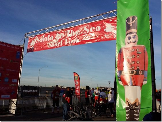 santa to the sea start line 800x600 thumb Santa To The Sea Half Marathon