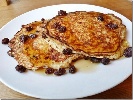 cinnamon raisin protein pancakes 800x600 thumb Cinnamon Raisin Protein Pancakes and Chocolate Milk Dreams…