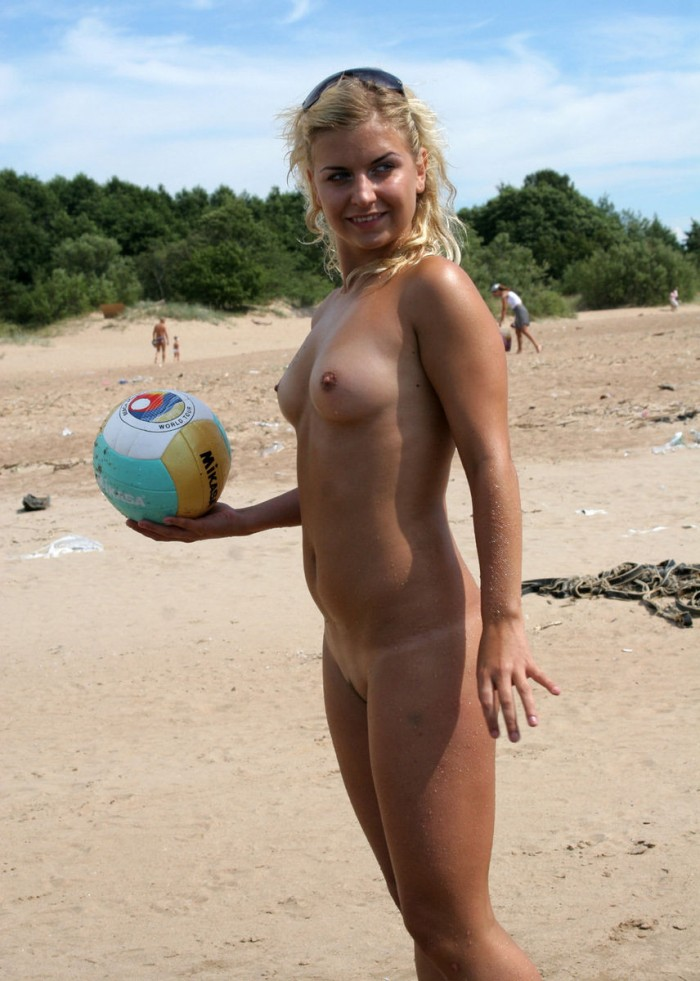 Two sexy girls playng naked on the beach