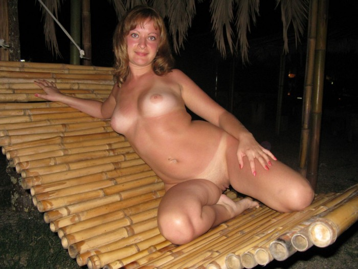 Horny russian milf posing totally naked at outdoors on vacation