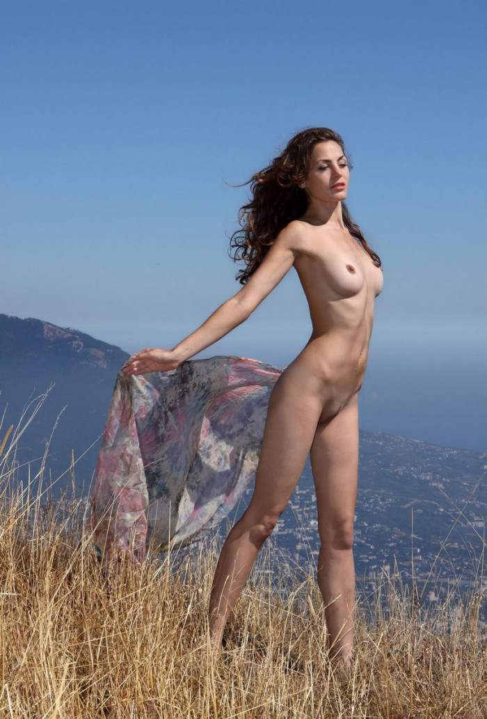 Very beautiful girl with great pussy high in the mountains