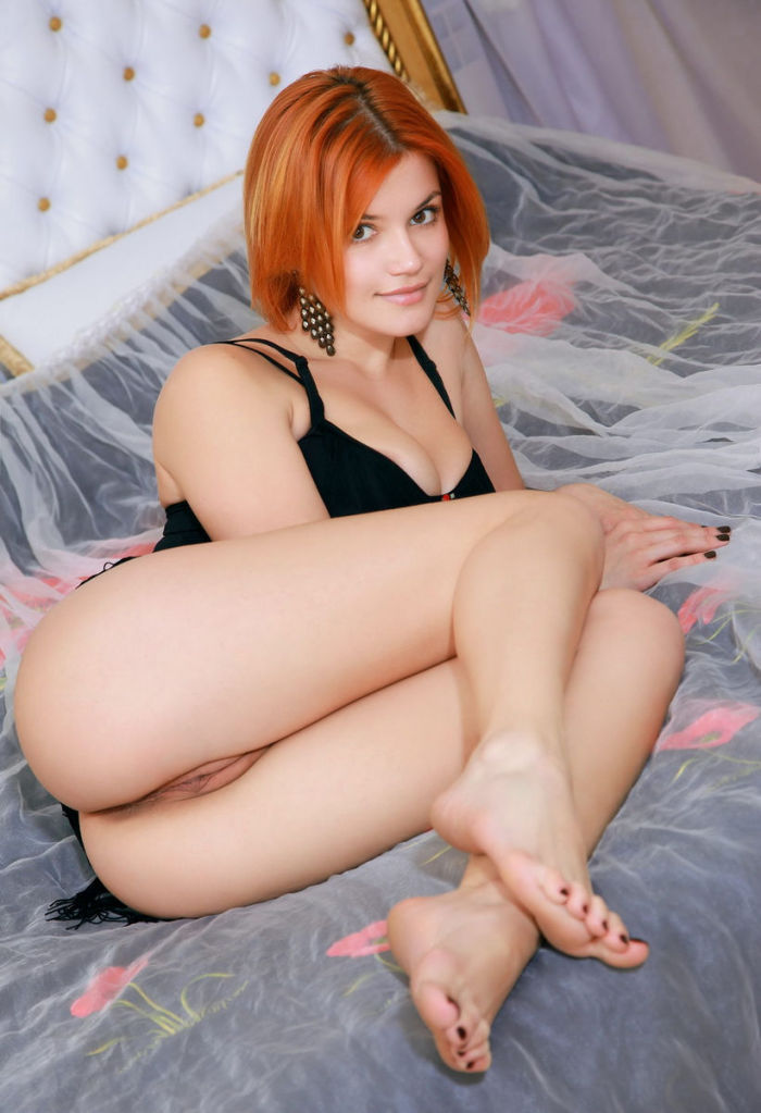 Redhead honey Violla A posing in luxury apartments