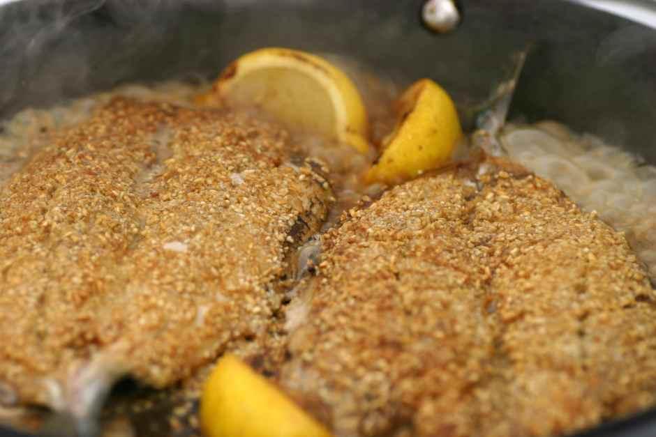 mackerel with oatmeal and lemon
