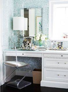 #OKLObsessed: Sun-Soaked Nooks | Floral Wallpapers, Blue ...