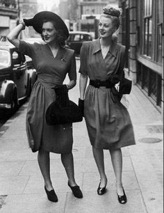 German 40's fashion. I love everything from the 40's - fashion, hair, shoes - all of it ...