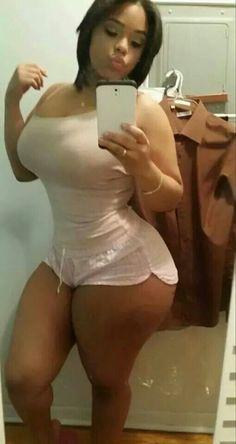 pawg booty selfie