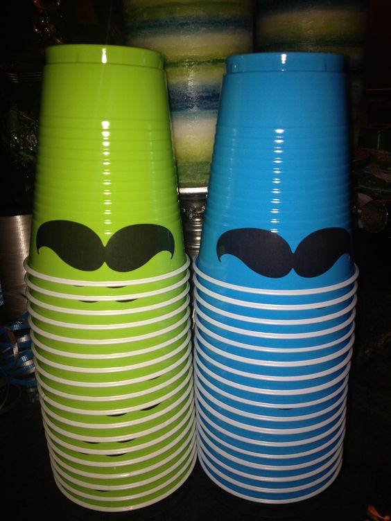 Cups with a mustache for baby shower