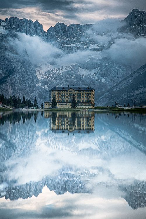 Lake Misurina, Italy.: