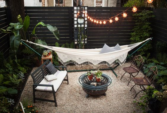 outdoor backyard lounge