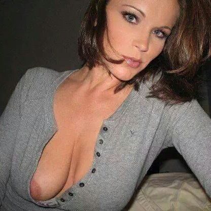 downblouse nipple pics tumblr