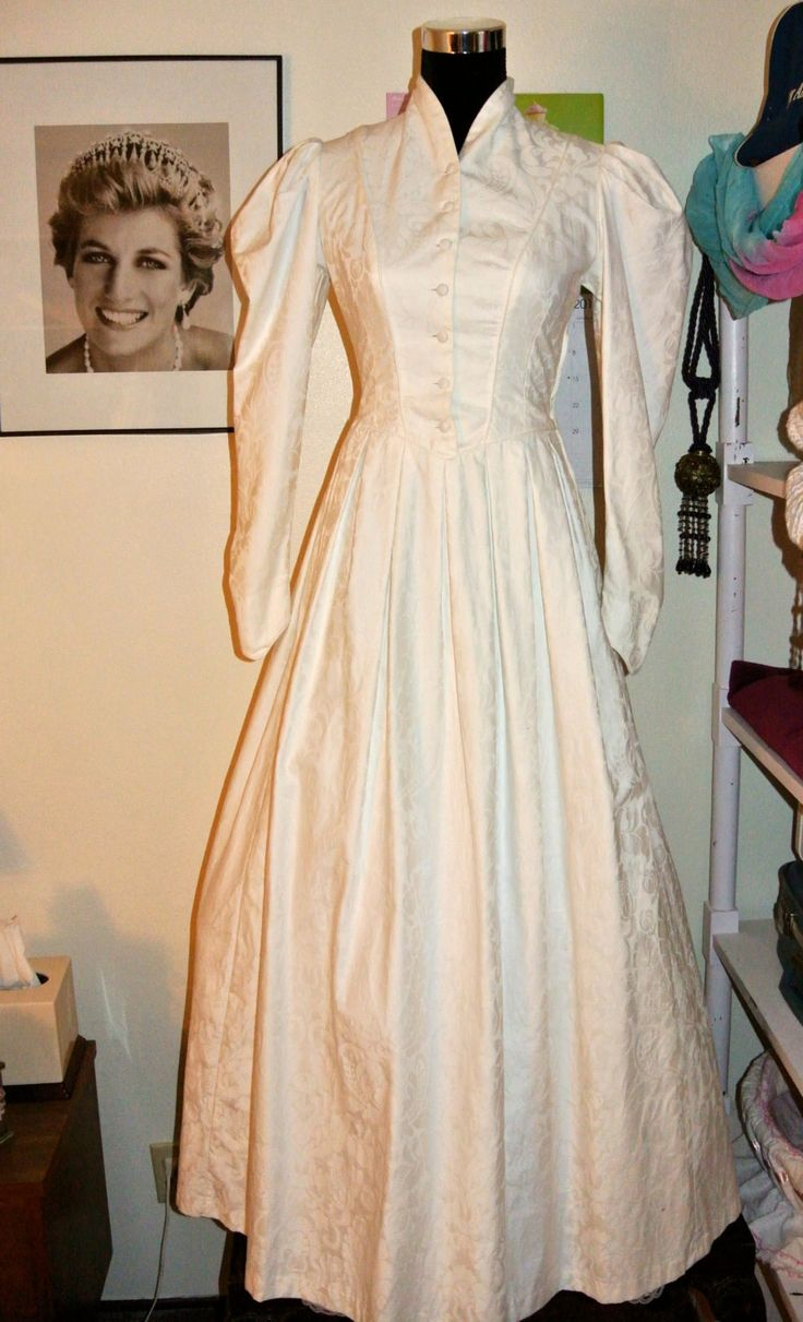 laura ashley laura ashley wedding dresses Vintage Boho Period s LAURA ASHLEY Victorian Bridal Romantic Cream Cotton Damask Wedding Dress with Elegant