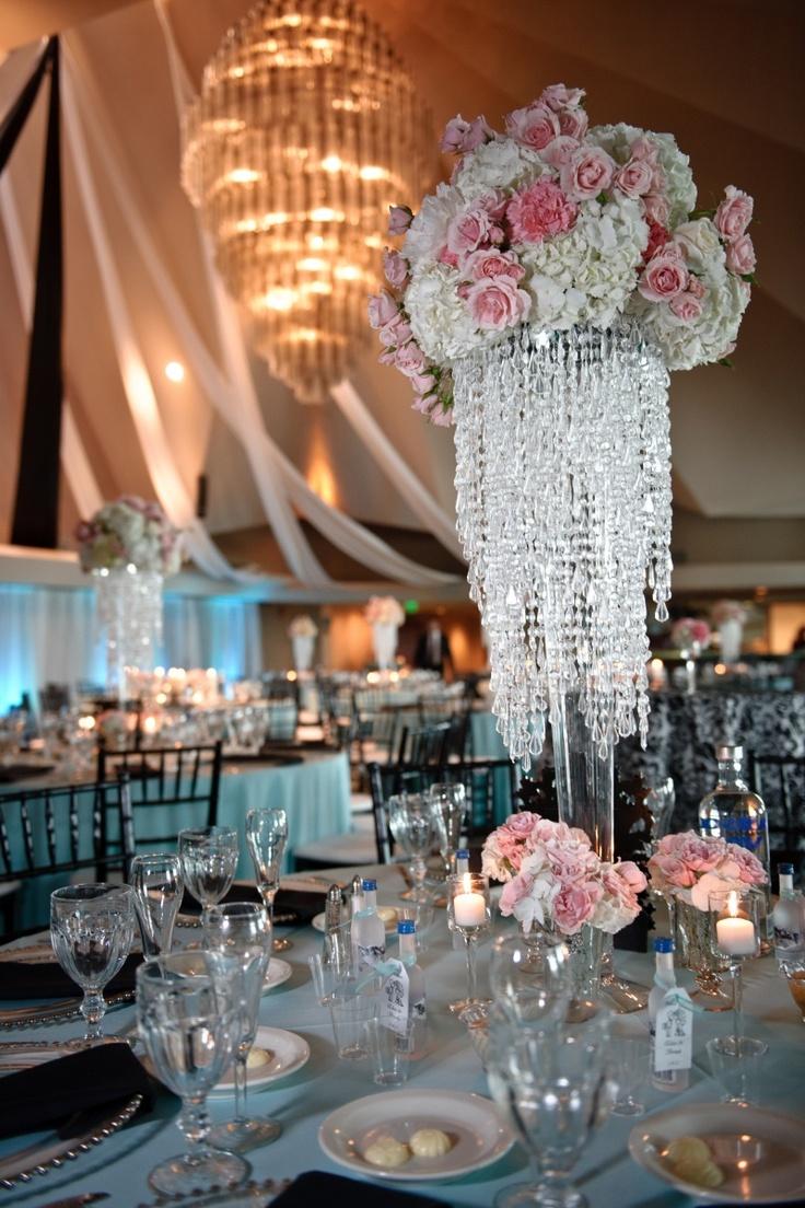 elegant centerpieces wedding flower centerpieces FH design wedding decor Centerpieces