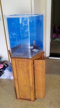 35 gallon TrueVue Octagon fish tank. Includes 30