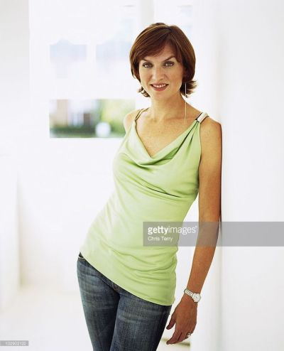 Best 20+ Fiona bruce ideas on Pinterest   Claudia strictly, Going gray and Long gray hair