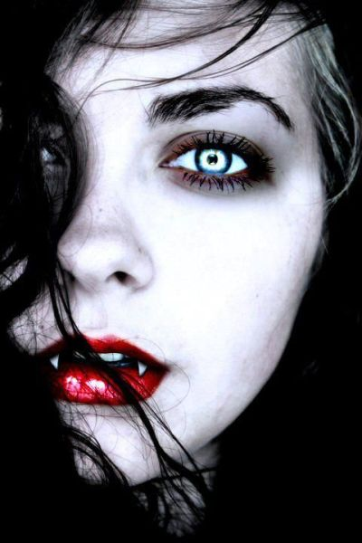 Cool Horror Girl Wallpapers you can use your iPhone https://itunes.apple.com/us/app/hd ...