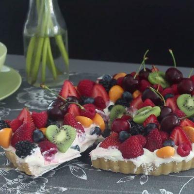 17+ best ideas about Fruit Wedding Cake on Pinterest ...