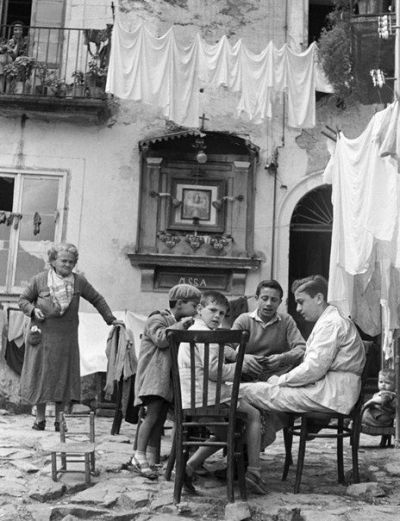 Italy. Napoli 1950   1950's lifestyle & real life II (only ...