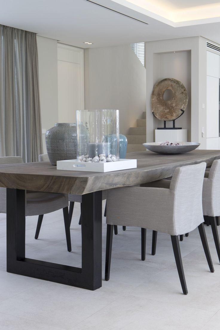 modern dining table modern kitchen table Erik Koijen Vakantiehuis Marbella Hoog Exclusieve woon en tuin inspiratie Modern Dining Room TablesModern