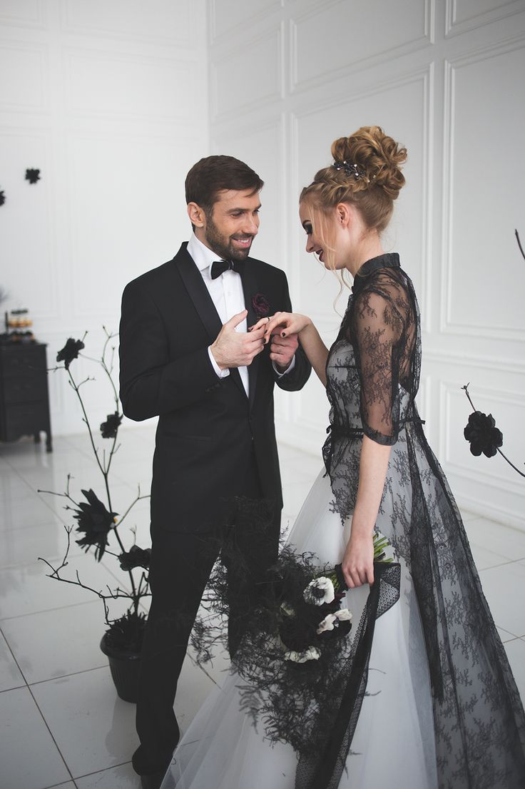 halloween wedding gown black wedding dress 25 Best Ideas about Halloween Wedding Gown on Pinterest Black wedding gowns Halloween wedding dresses and Black wedding dresses