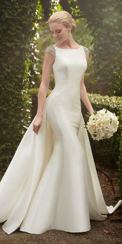 weddings detachable wedding dress A dramatic option for a sophisticated soiree this Martina Liana wedding dress with detachable train