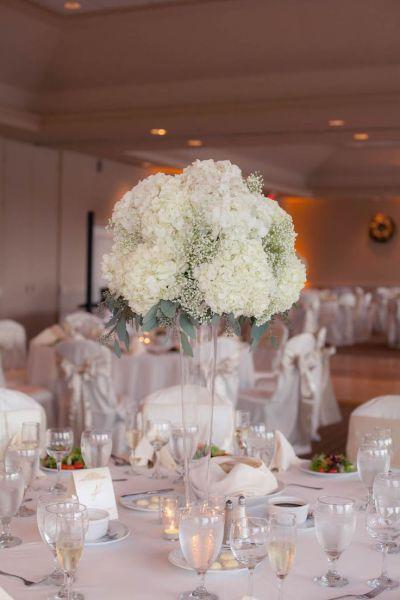 25+ best ideas about White hydrangea centerpieces on ...