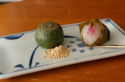 桜餅 草餅 たねや   和菓子 - Japanese sweets -   Pinterest