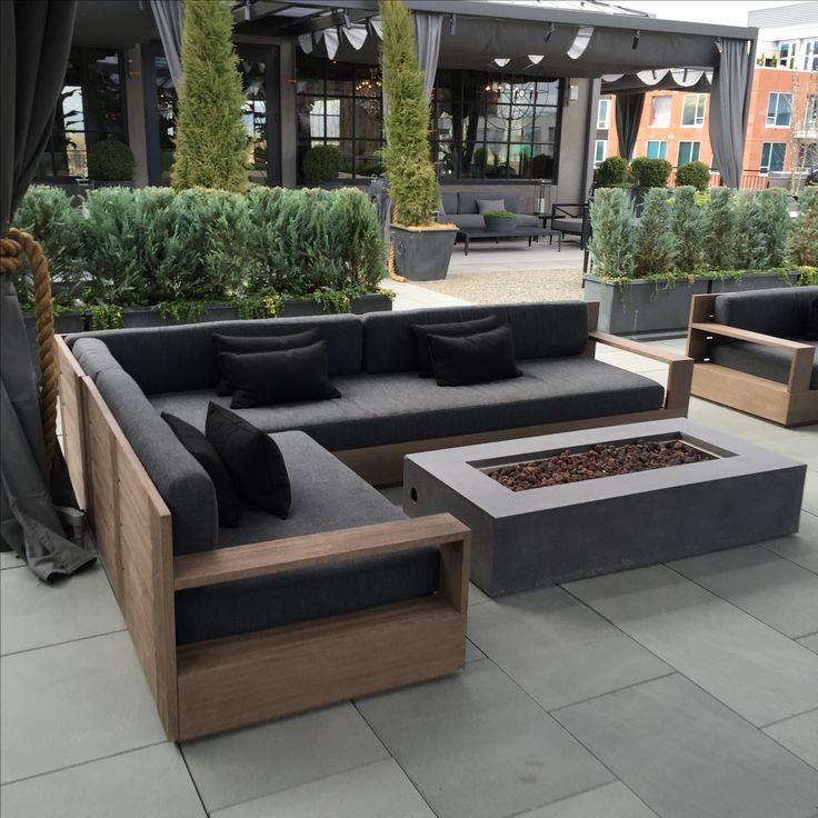 25 best ideas about pallet couch outdoor on pinterest cushions and seating garden furniture from pallets