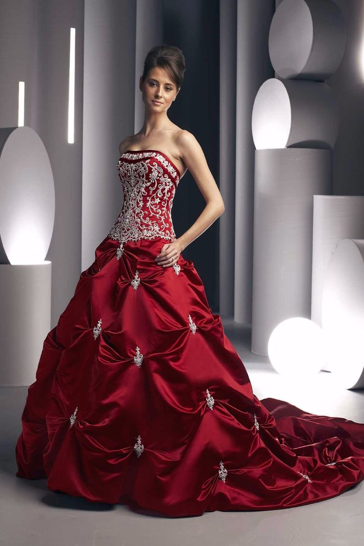 wedding dresses with color color wedding dresses Wearing a Red wedding dress is the newest global rage The color is irresistible