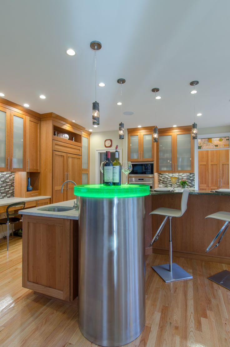 shaker kitchens shaker kitchen island Shaker Kitchen natural cherry cabinetry granite countertop large island with seating frosted