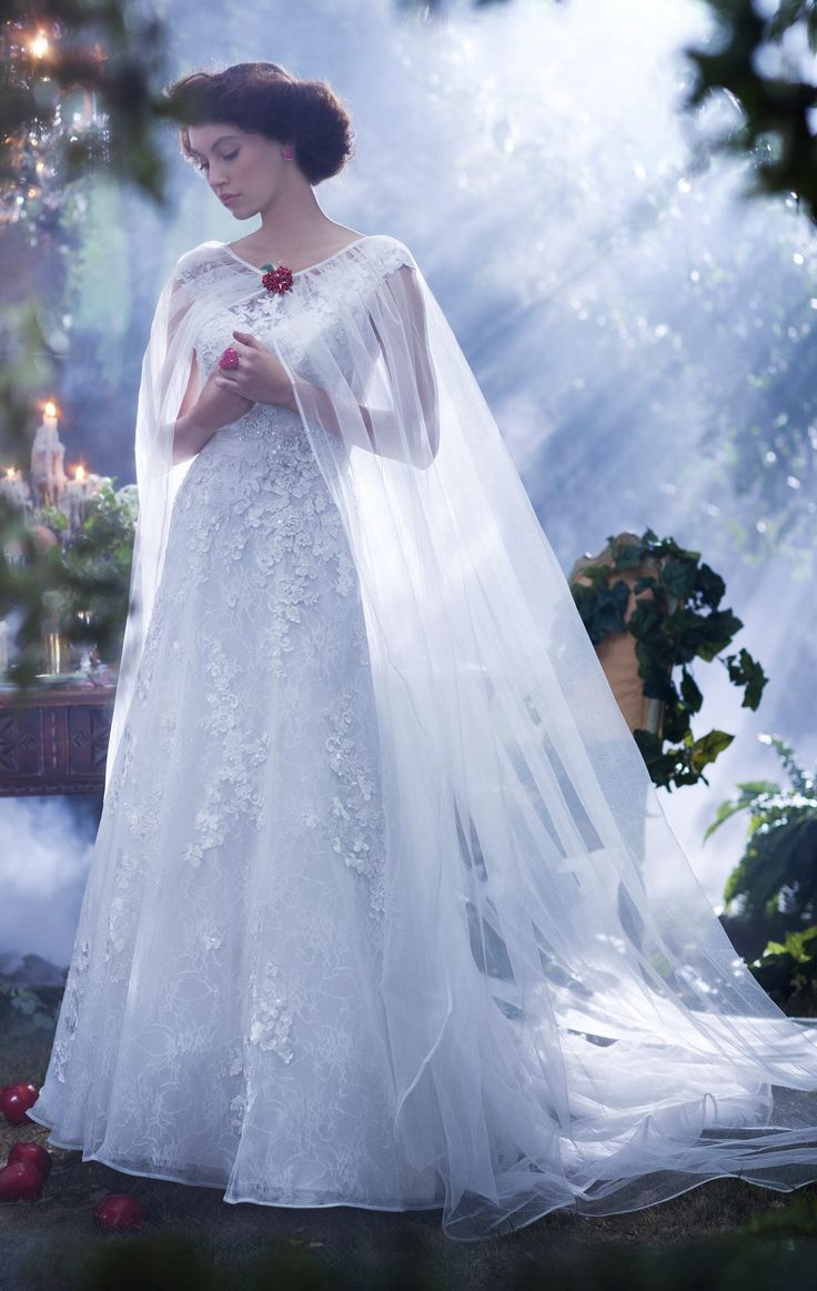snow white wedding dress white wedding dresses I don t like this dress and the cape is a little plain But it s interesting I m going to have a cape and the snow white inspired wedding dress has a cape