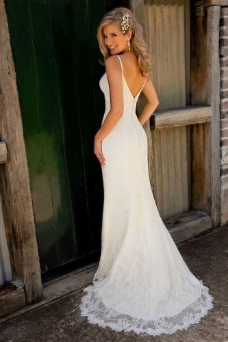 wedding dress simple best wedding dress 25 Best Ideas about Wedding Dress Simple on Pinterest Simple wedding gowns Simple classy wedding dress and Lace top wedding gowns