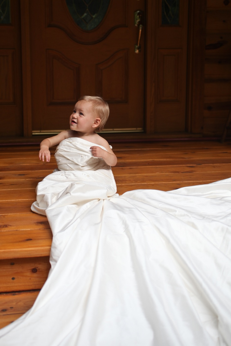repurposed wedding dress mom's wedding dress Daughter in mother s wedding dress take this picture every