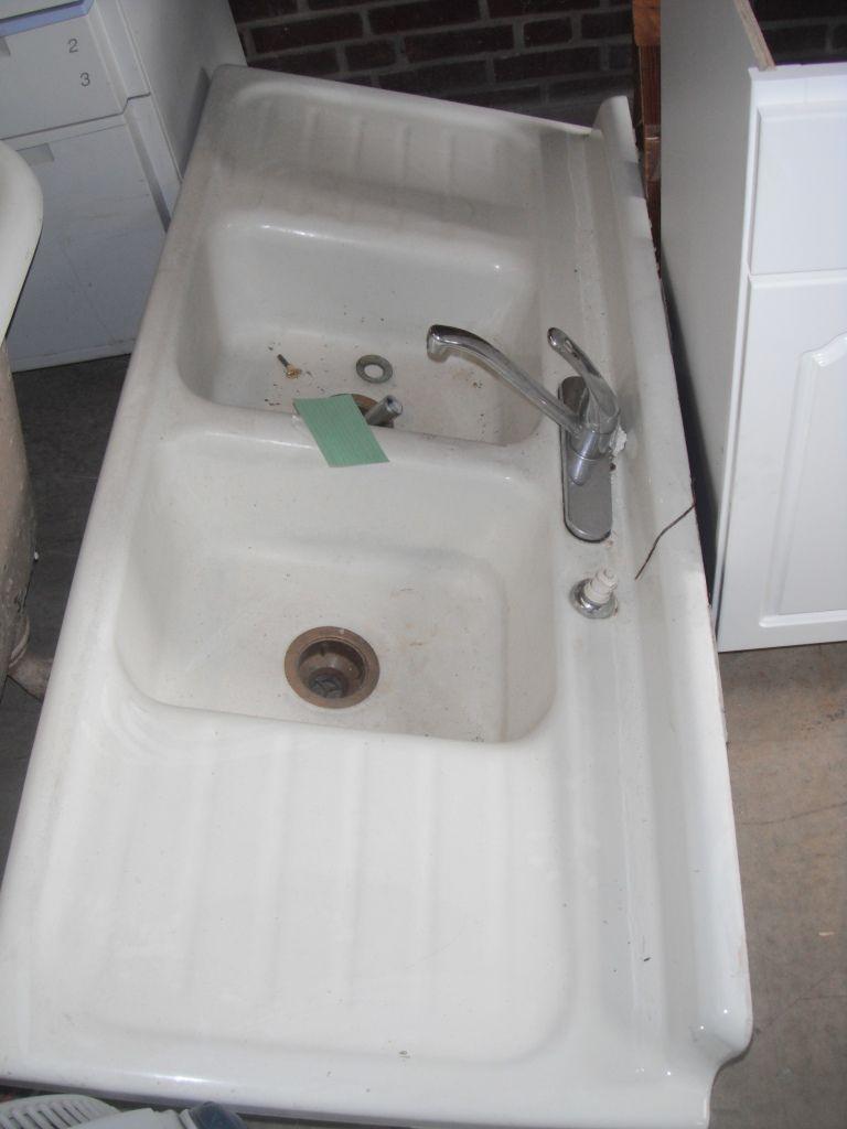 farmhouse kitchen faucet Kitchen Vintage Kitchen Sinks Uk Antique Retro Kitchen Faucets and Sinks Ideas For New Vintage
